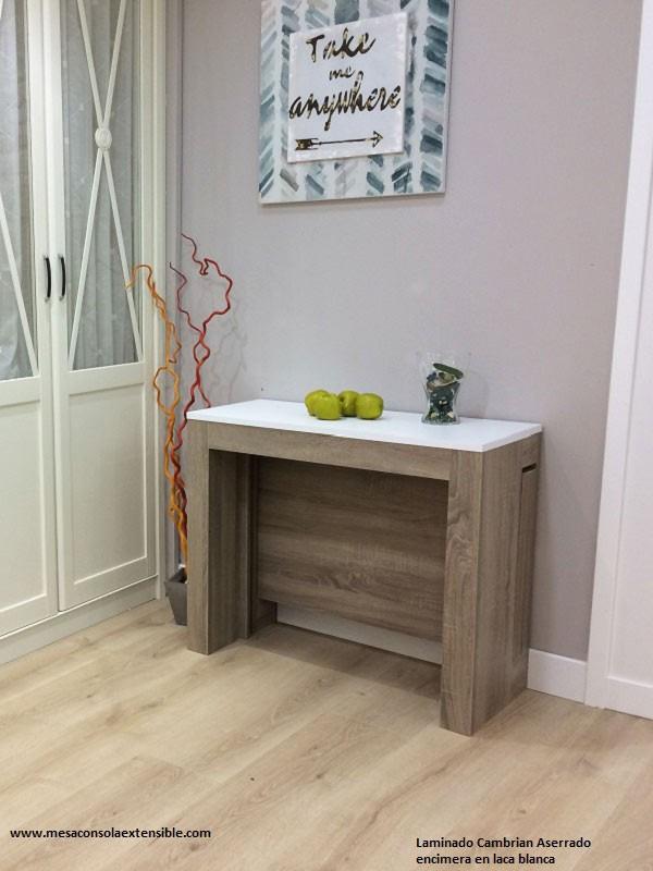 Mesa consola extensible de estilo nordico en madera y blanco comedor